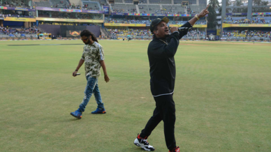 Divine lights up the Wankhede